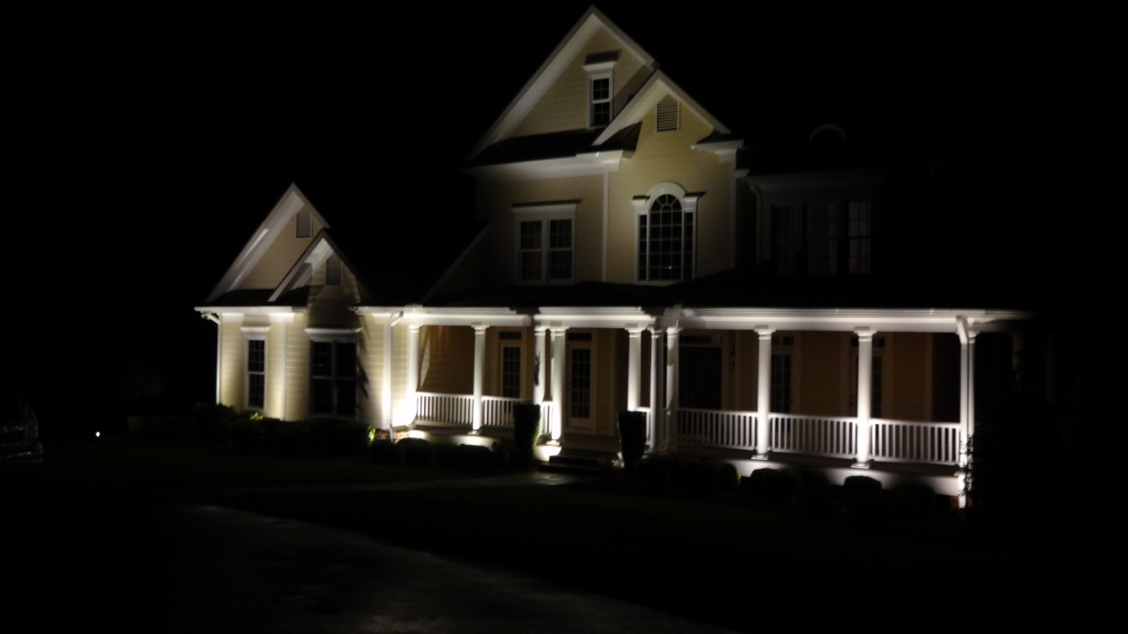 Outdoor accent lighting outdoor lighting franchise for Yard accent lights