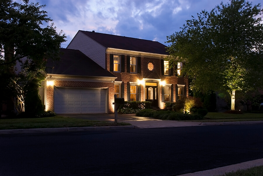 Residential lighting galleries outdoor lighting expressions for Outdoor accent lighting